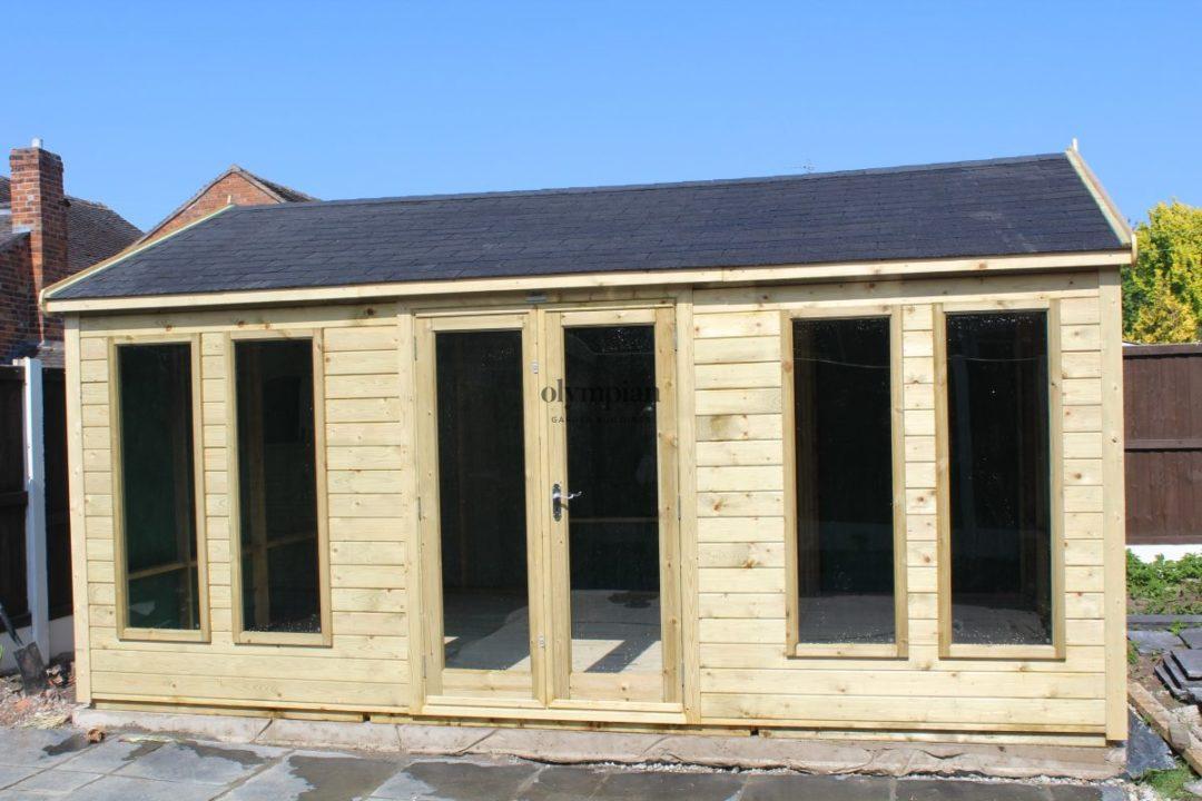 Modern summerhouse with felt shingles