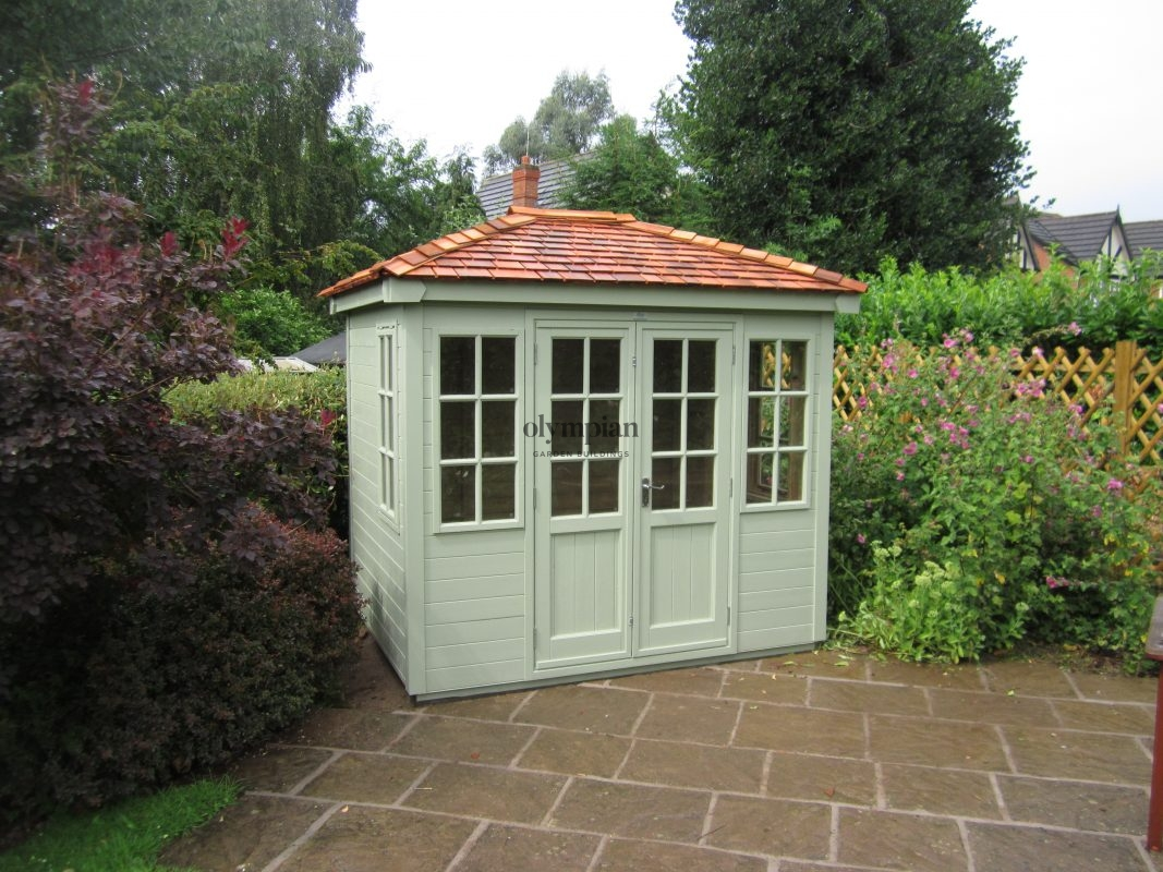 Hipped roof summerhouse