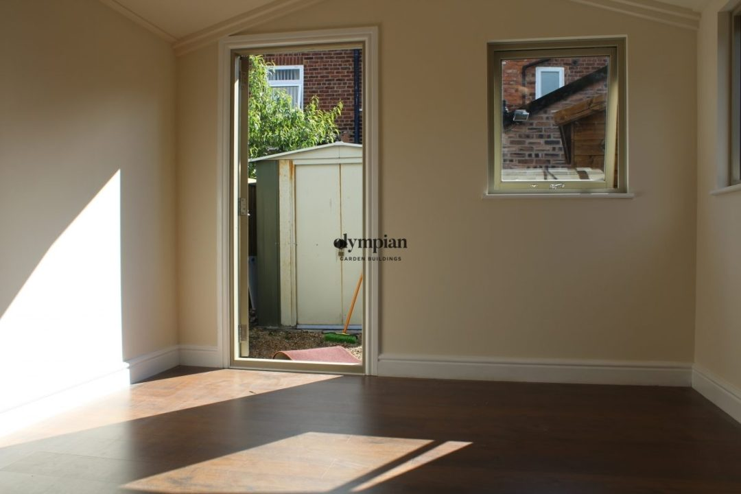 Insulated Garden Room 155