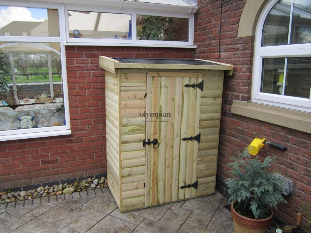 Lean-To Storage Shed with felt shingles