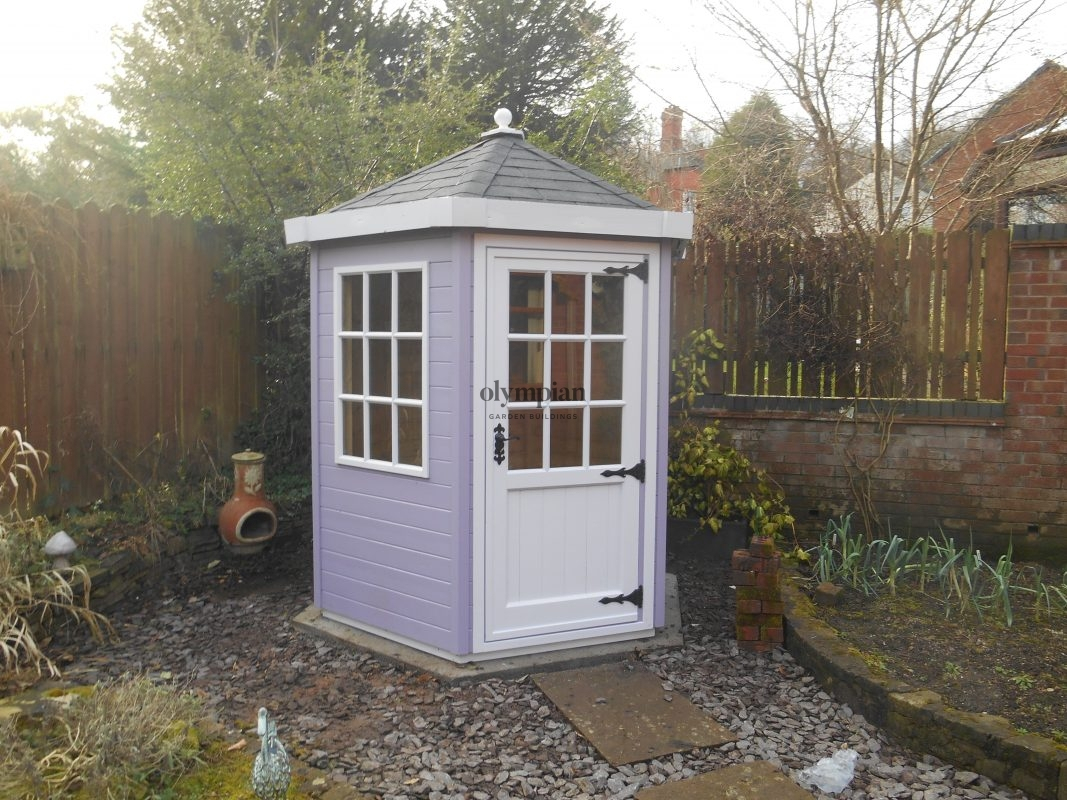 Hexagonal Summerhouse with felt shingles and special paint