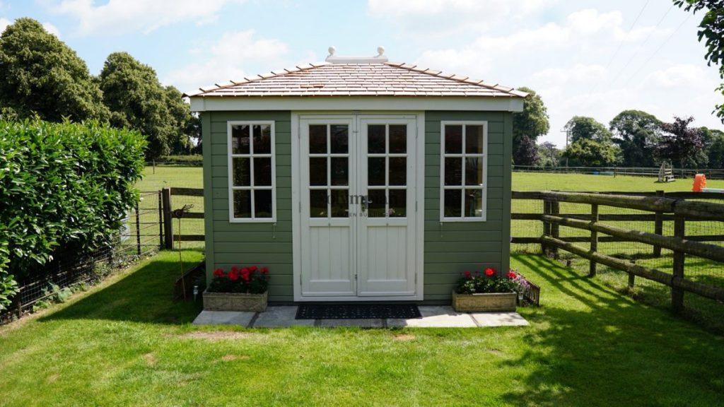 Customer review summerhouse in Cheshire country garden